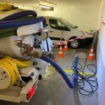 pompage de fosse dans le parking d'un hotel